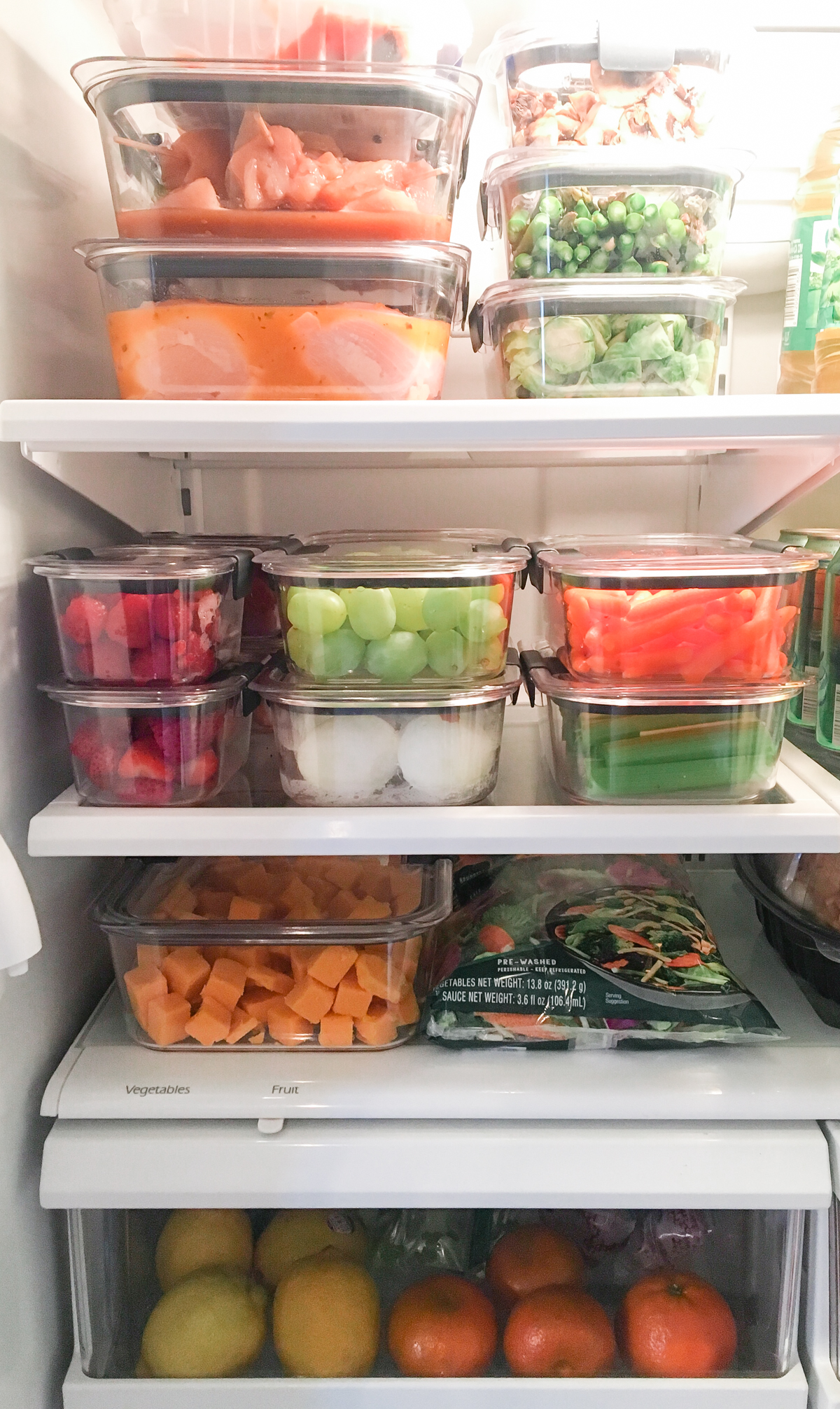 Rubbermaid Brilliance containers for meal prep.