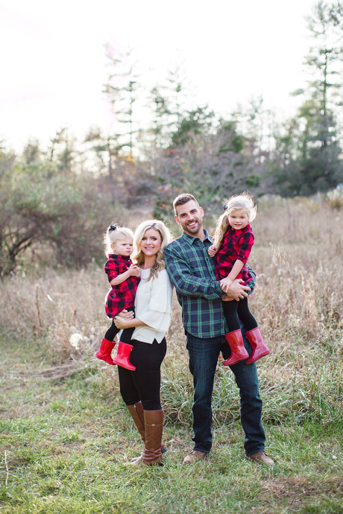 Christmas card outfit inspiration for the whole family. outfit inspiration,  family photos, christmas - Family Christmas Card Outfits Cristin Cooper